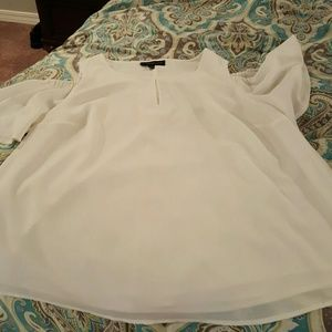 EUC LANE BRYANT COLD SHOULDER WHITE TOP